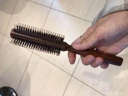 くせ毛を直す方法はヘアブラシ!2つのポイントをご紹介